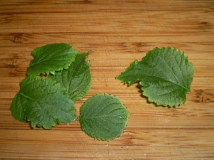shiso leaves